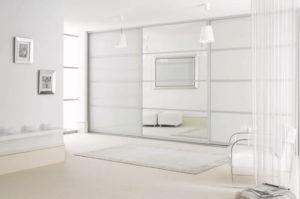 белый шкаф купе встроенный