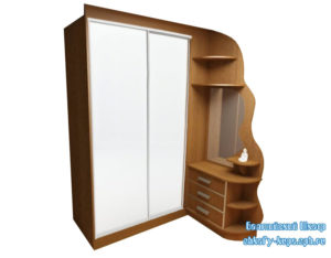 Корпус шкафа купе в прихожую с зеркалом и тумбой