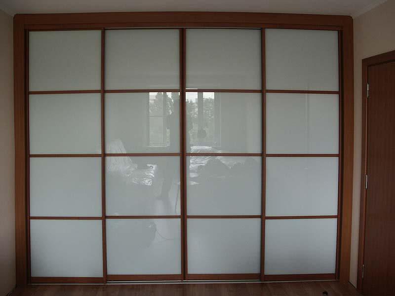 Шкаф купе стеклянные двери