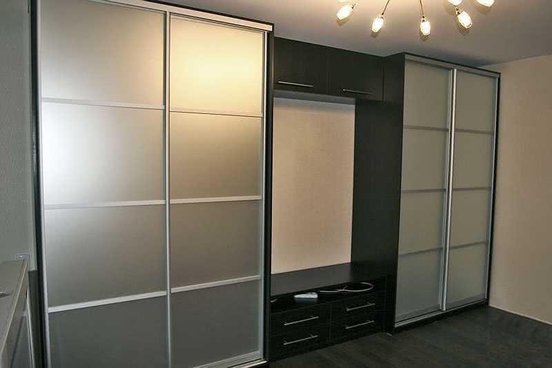 Дизайн шкафа купе в гостиную