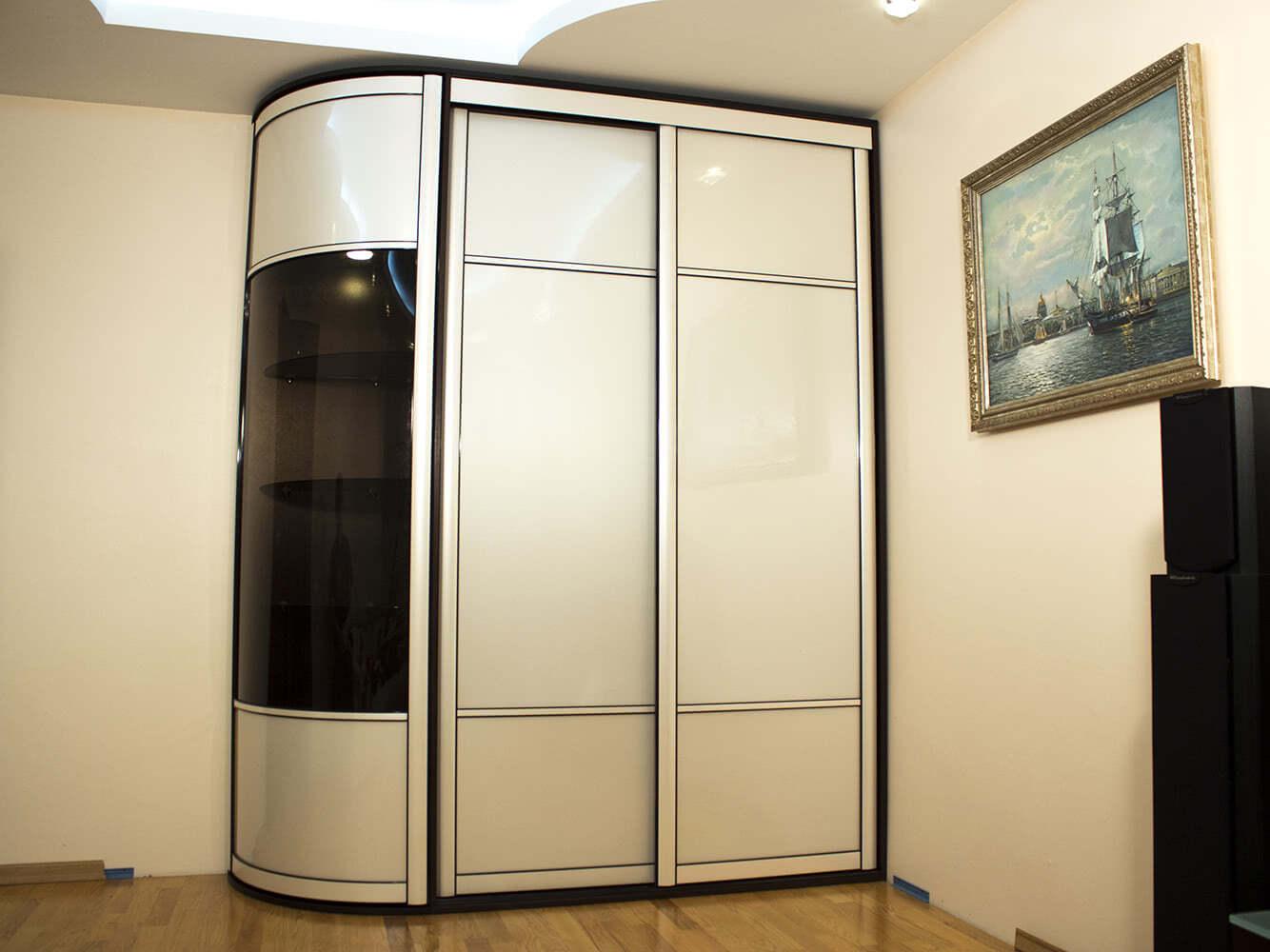 Встроенные шкафы купе в узкий коридор