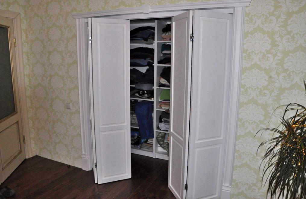 Двери книжка для шкафа в классическом стиле