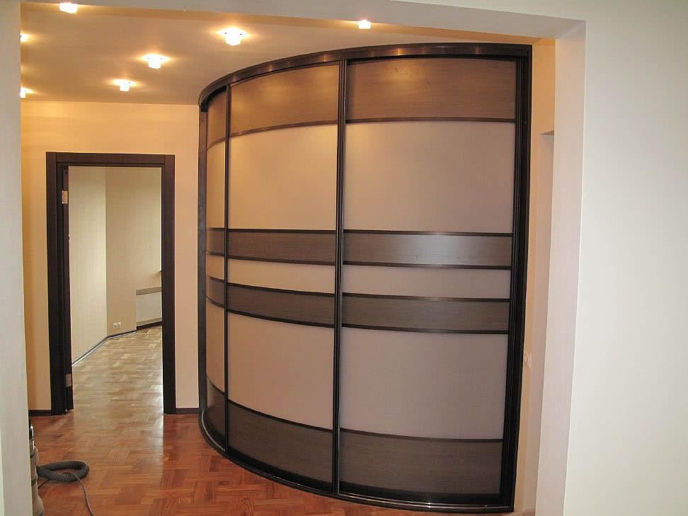 Радиусный угловой шкаф-купе от производителя