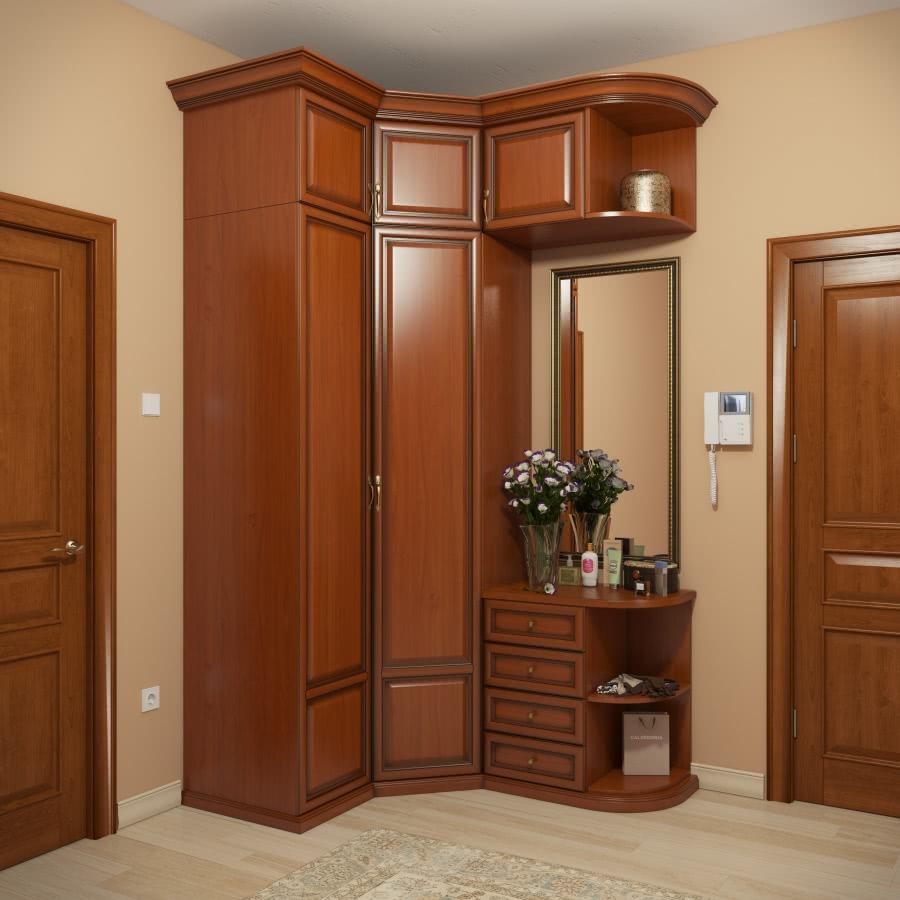 Угловые шкафы в прихожую в классическом стиле