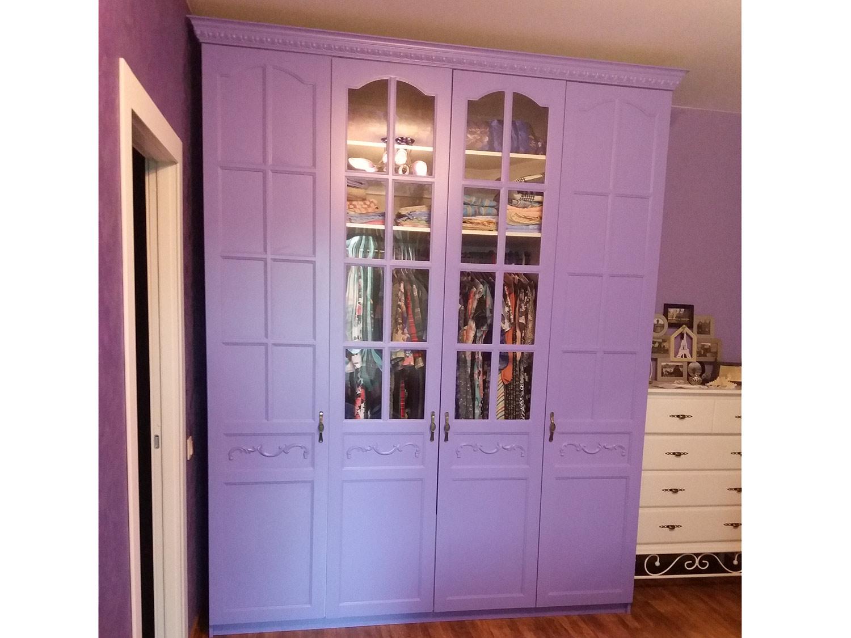 Фиолетовый классический шкаф для спальни