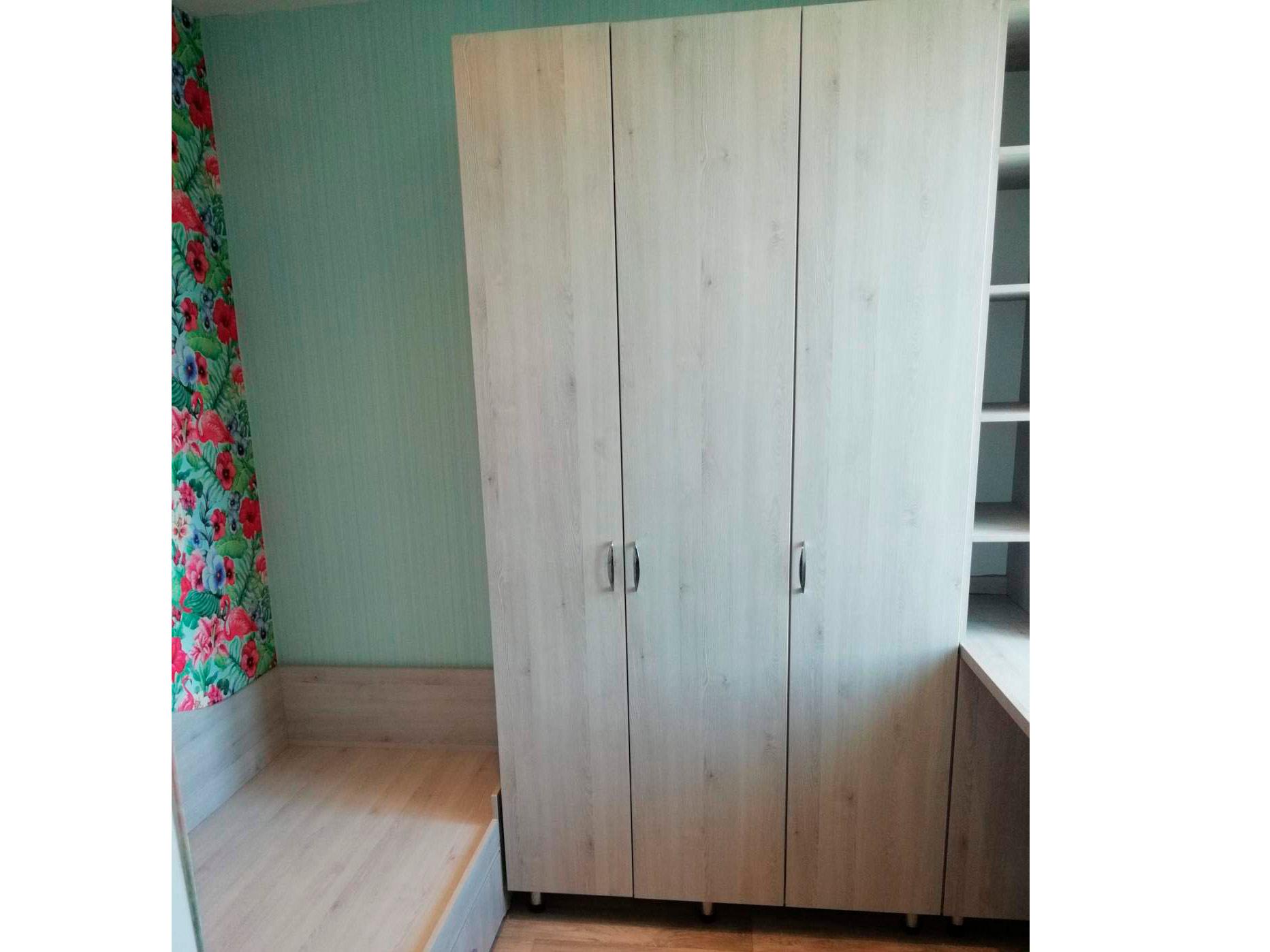Шкафы распашные на заказ недорого в Спб от производителя